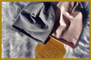 wiosenne czapki-smerfetki