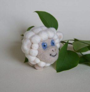 filcowy brelok owieczka gosia motycka